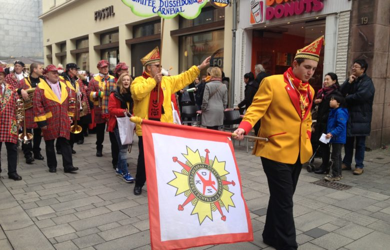 Düsseldorf's Carnival: Drag Queens, Costumes, and Parades!