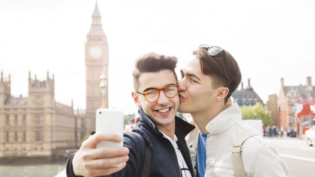 5 Gay Travel Apps You Should Download Now – Two Bad Tourists