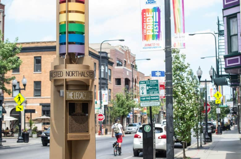 Gay Chicago – the best gay hotels, bars, clubs & more